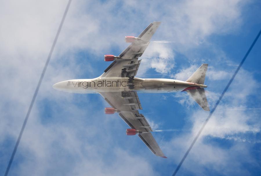 Virgin Atlantic зовет на работу неграмотных англичан, а не образованных африканцев