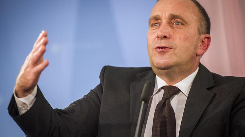 Польский журналист предложил главе МИД страны пользоваться шпаргалкой по истории