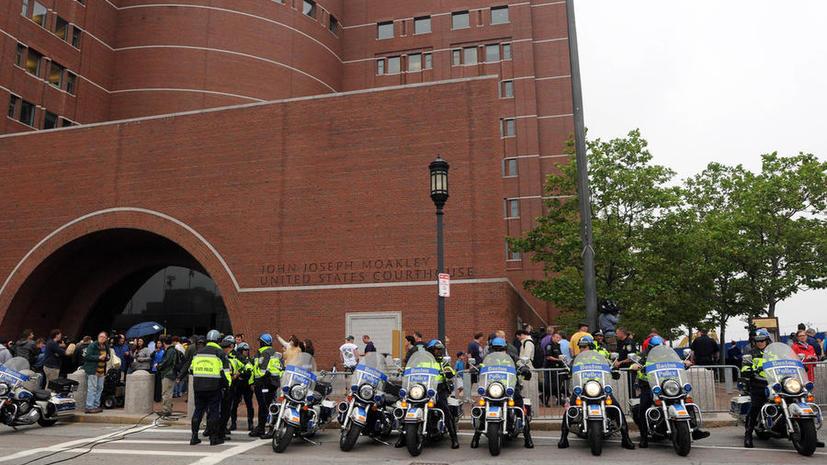 Службы безопасности эвакуировали всех людей из здания суда в Бостоне