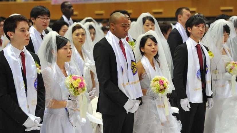 Массовая свадьба в Корее: одновременно вступили в брак 3,5 тыс. пар