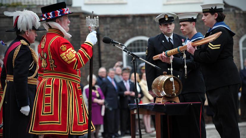 Руководство ВМС Великобритании: Тосты за жён и возлюбленных - неполиткорректны