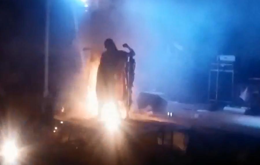 В США мужчина поджёг на себе 10 тыс. фейерверков