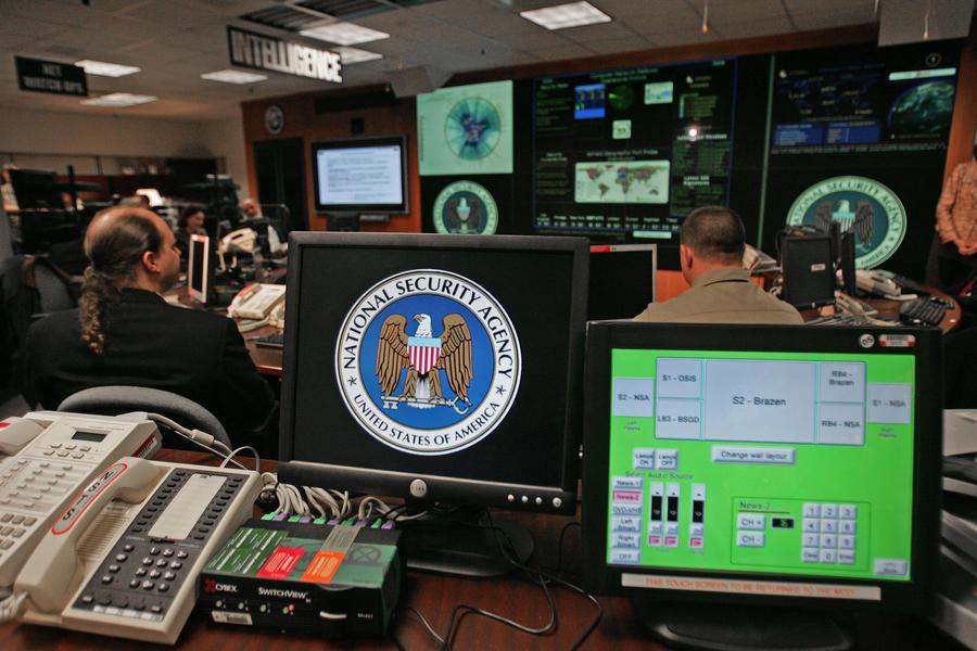 Американские спецагенты взяли на работу главу службы безопасности Facebook