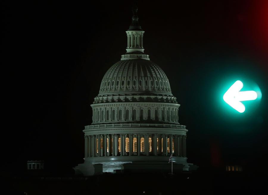 Аналитики: политический коллапс США сократит рост ВВП страны