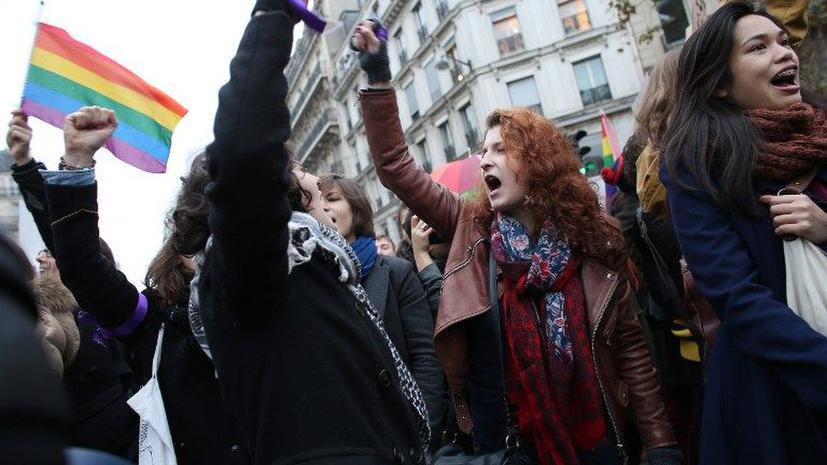 В Париже марш в поддержку однополых браков собрал 125 тыс. человек