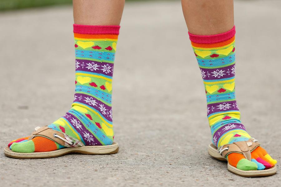 Пакистанским госслужащим запретили летом работать в носках