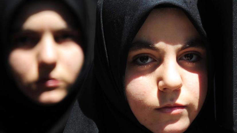 Немецкий суд обязал школьницу-мусульманку плавать вместе с мальчиками
