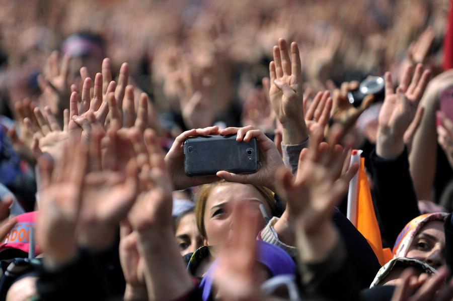 В Турции на фоне скандалов и утечек секретных данных проходят муниципальные выборы