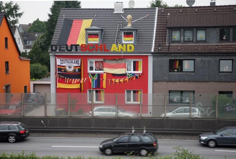 Опрос: немцы будут экономить на культурных мероприятиях и походах в ресторан