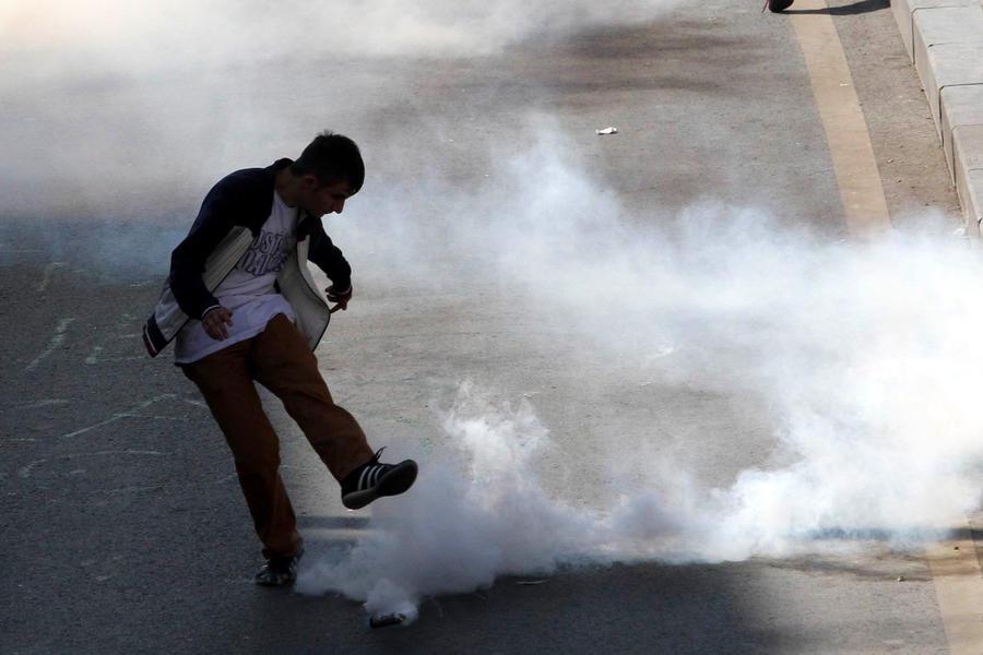 Съёмочная группа RT попала под слезоточивый газ в Стамбуле
