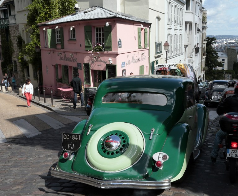 В Париже запретили винтажные автомобили