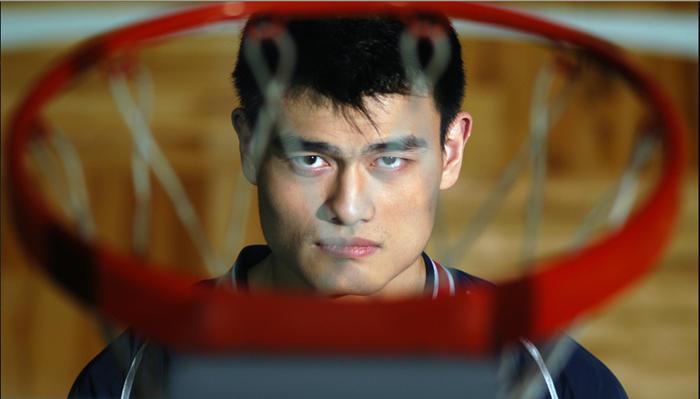 Знаменитый китайский баскетболист — Яо Мин