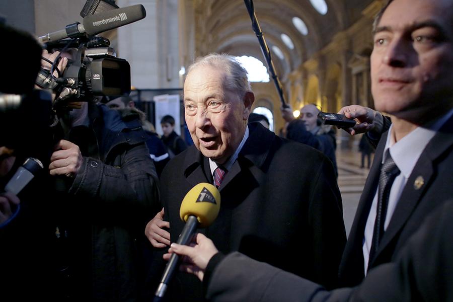 Французы, качавшие иракскую нефть за взятки, предстали перед судом