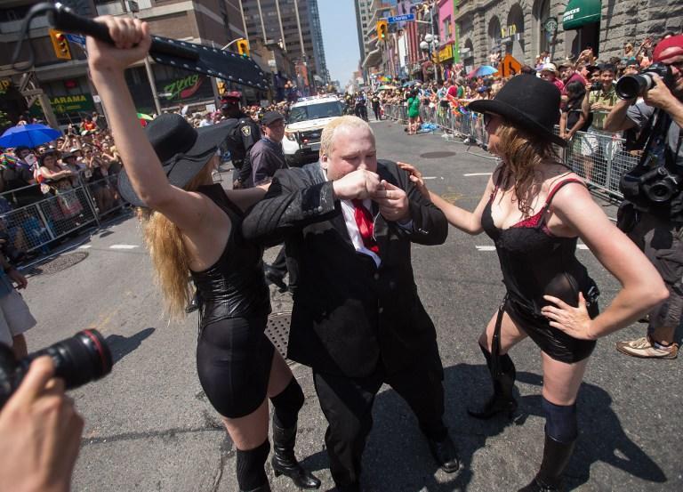 Мэр Торонто Роб Форд вернулся к работе после лечения от наркозависимости и готовит обращение к СМИ