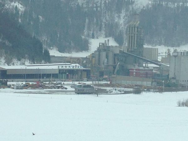 Преступник расстрелял рабочих швейцарской фабрики, три человека погибли