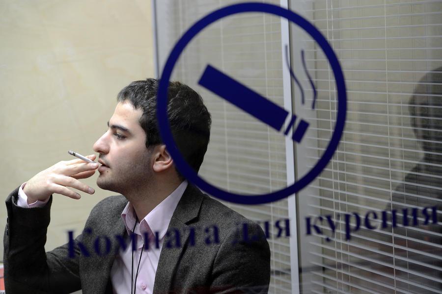 «Известия»: В прокуратуру не возьмут косноязычных, но возьмут курильщиков