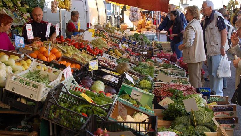 Итальянцы сокращают расходы на еду