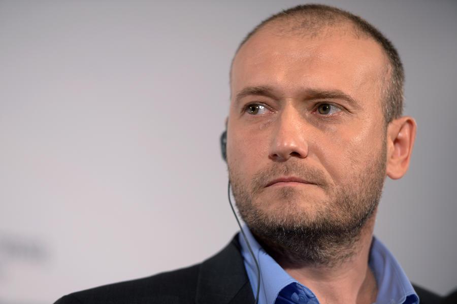 Националисты в правительстве Украины: Пётр Порошенко предложил Дмитрию Ярошу пост в Минобороны