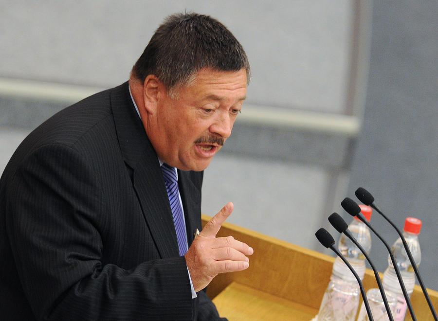Депутат Сергей Калашников призвал коллег по Госдуме объединиться и вернуть «зимнее время»